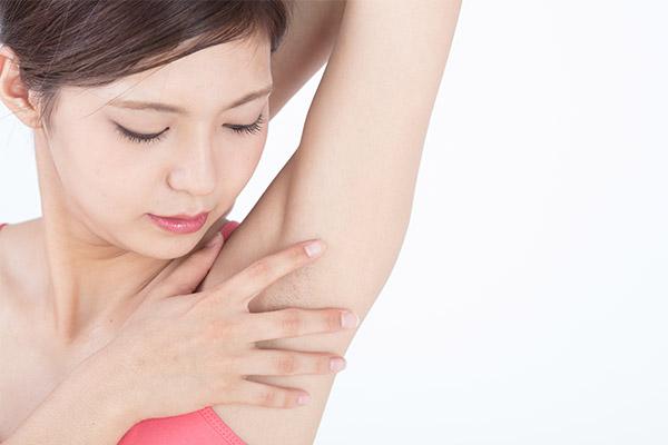 塩化アルミニウムは肌への刺激が強い