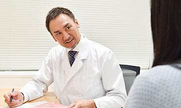 新宿マリアクリニックでは、わきが治療に精通した医師がミラドライを担当